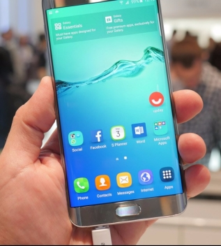 Samsung-Galaxy-S6-Edge-Plus-hands-on-1 (2)